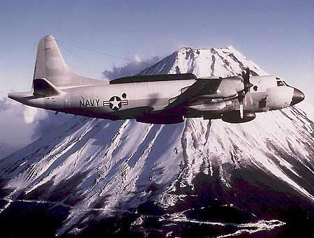 我军海航部队出动双机拦截外国大型侦察机(图)