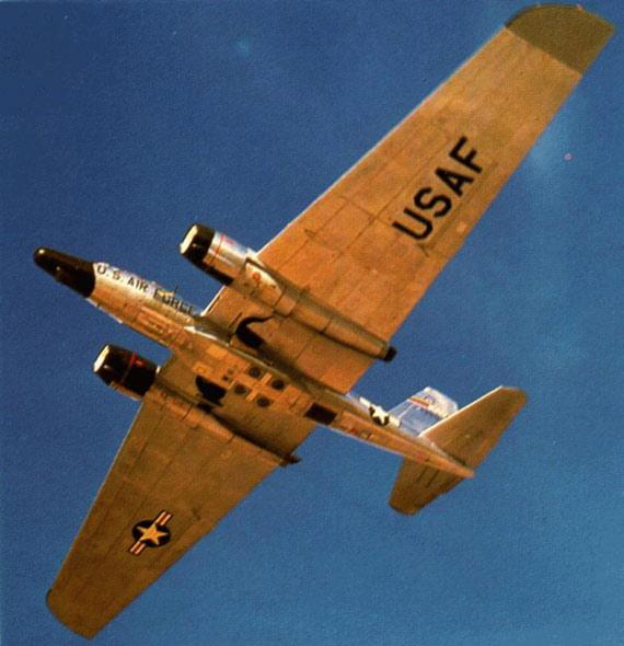 解放军海空雄鹰团创世界空战史八个第一(图)
