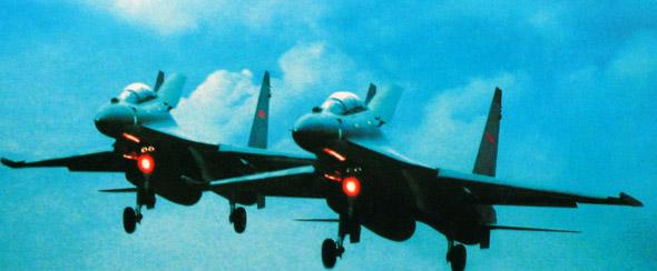 中国空军大机群航油持续保障能力增强(附图)