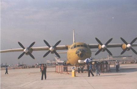 中国空中骆驼:运八飞机35年发展历程(组图)