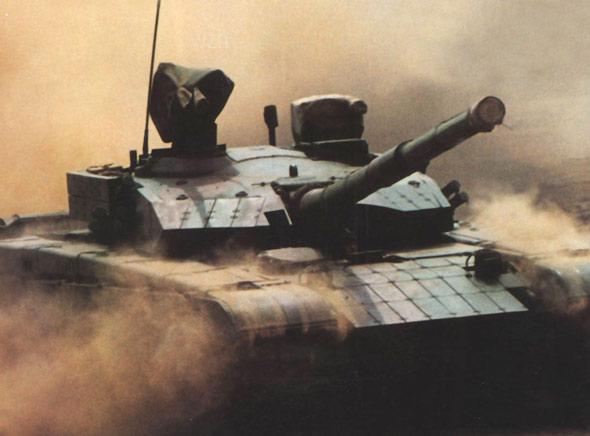 解放军主战坦克安装新式自动装弹机(附图)