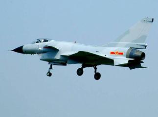 成飞重点型号战斗教练机今年成功定型(附图)