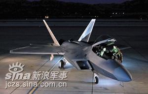 F/A-22首次在超音速状态下投掷JDAM制导炸弹