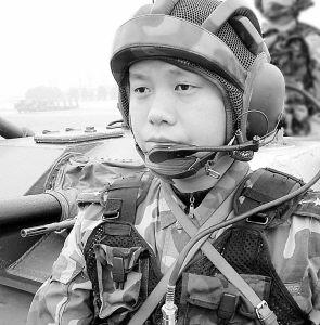 空降兵某部战车一连连长杨方武的故事(附图)