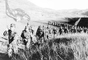河北某预备役炮兵师进行冬季适应性训练(附图)