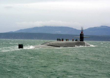 美军在关岛部署俄亥俄号核潜艇牵制中国海军