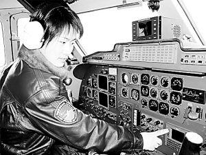 中国女飞行员飞行时间突破1000小时