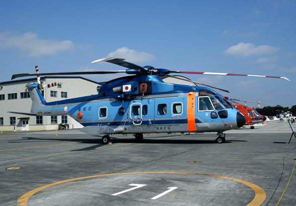 海上自卫队接收首架本国组装EH101直升机(图)