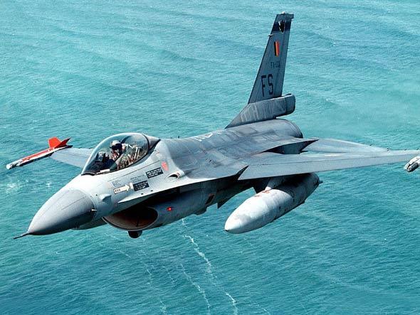 驻韩美军F-16C型战机坠毁飞行员逃生并获救