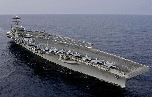 美军林肯号航母在东海演练轰炸朝鲜核设施(图)