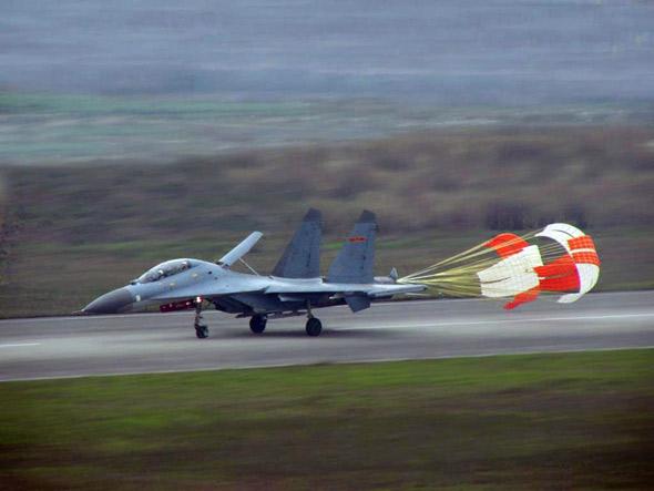 中国空军实现自主大修第三代进口战机(附图)
