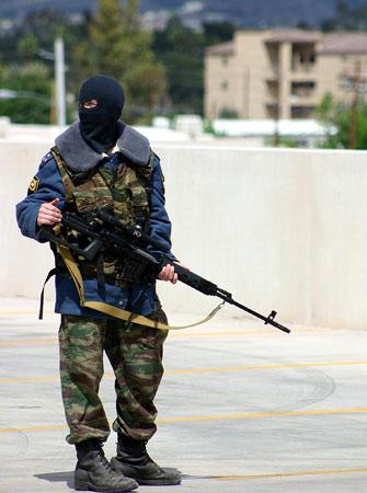 中国公安部代表观摩俄罗斯大型反恐演习(附图)