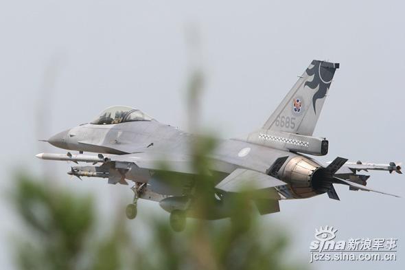 台湾改进F-16战机提高机载雷达预警能力(图)