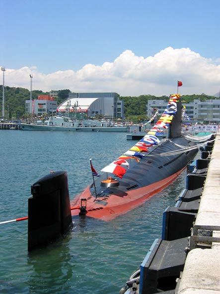 中国新型潜艇充电时间大幅缩短提高水下隐蔽性
