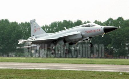 巴基斯坦空军准将称赞枭龙04战机非常优秀(图)