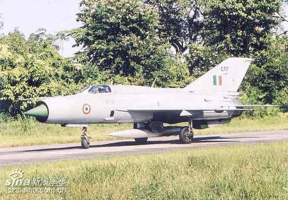 印度空军05至06财年共损失11架军用飞机(图)