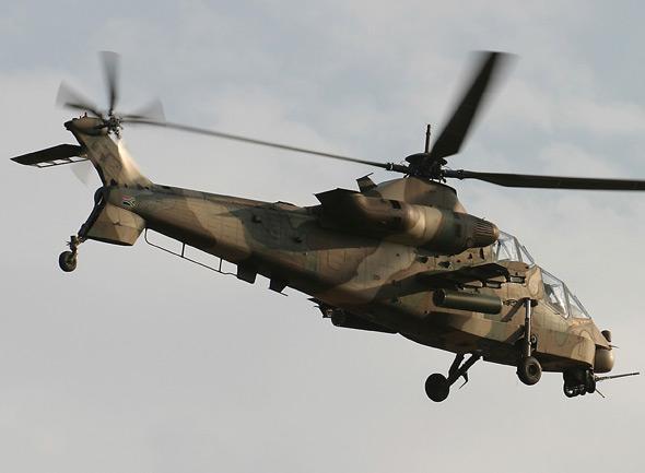 """南非CSH-2""""石茶隼""""武装直升机"""