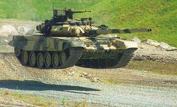 俄兵工厂邀请记者帮忙推销T-90S主战坦克(图)