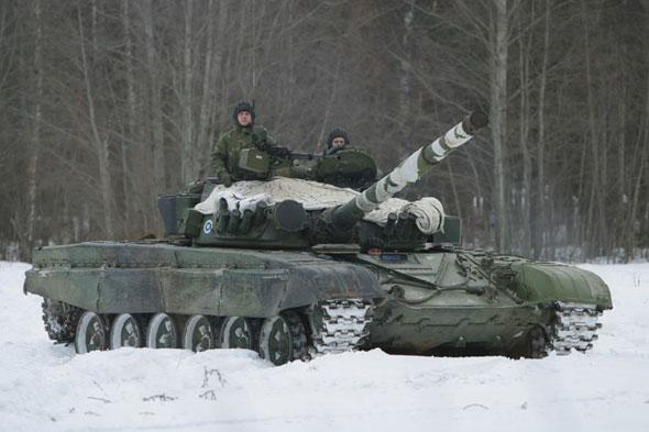 俄军正在对现役T-72主战坦克进行全面改进(图)
