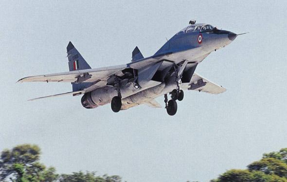 印度空军一架米格-29战机在西部海域坠毁(图)