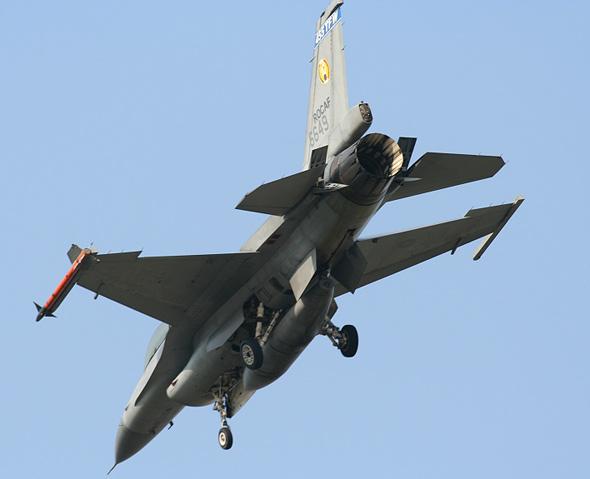 """F-16 Block20 """"战隼"""" 台湾美制战斗机 :: 空军世界"""
