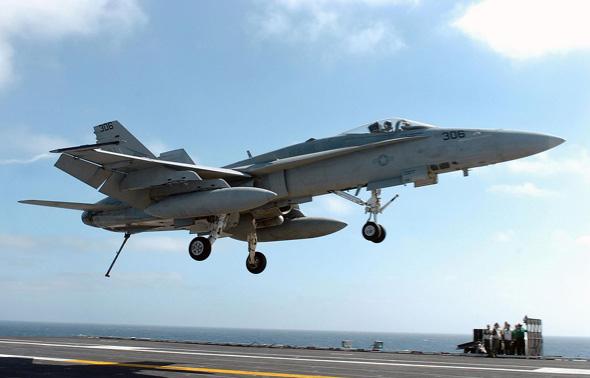 中国将军在里根号航空母舰亲身体验弹射飞行