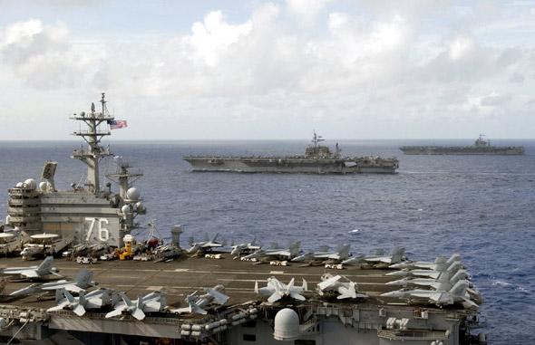 中国将军在美航母观看十几个架次舰载机起降