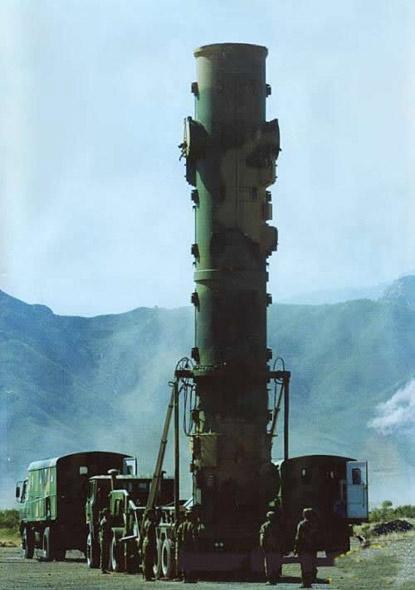 二炮多种型号导弹发射准备时间大大缩短(图)