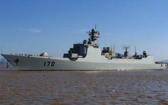 军报披露中国海军新型舰空导弹试验成功(图)
