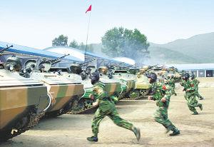 中国陆军两支精锐部队远程机动作战演练(图)