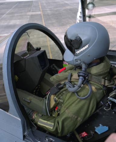 澳大利亚空军接收首套JHMCS头盔显示器(图)