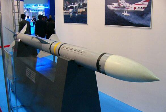 日本F-2战斗机装备AAM-4超视距空空导弹(图)