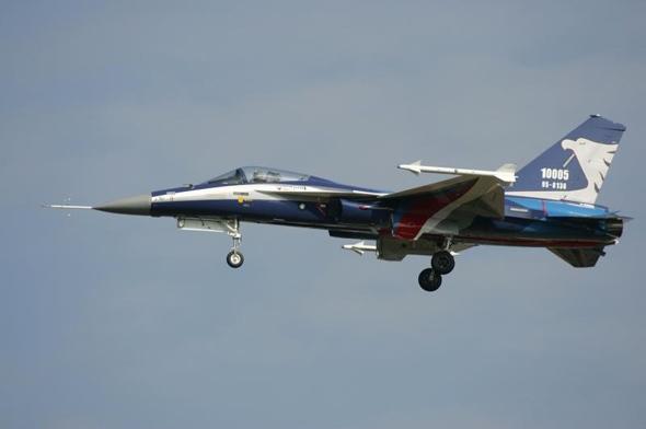 台湾IDF轻型战斗机改型机首飞成功(图)