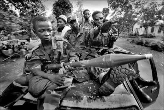 法国国防部长指责中国对非洲武器出口过多(图)
