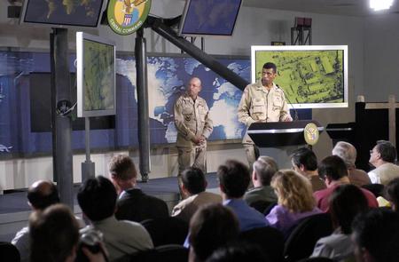 《防务新观察》7日播出美组建媒体战部队
