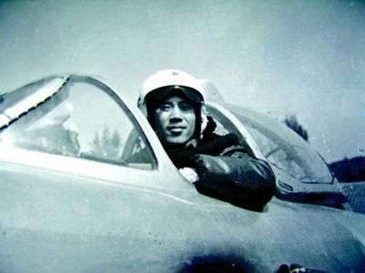 生死抉择16秒追忆空军某部豫籍飞行员李剑英