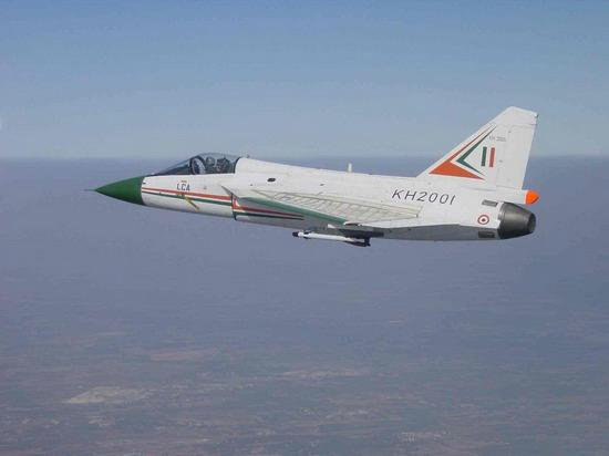 印度进军中亚首次在中国后院修建空军基地(图)