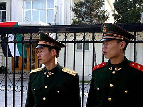 北京武警部队春节期间处置某使馆突发事件(图)