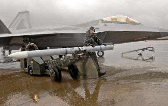 美军F-117和F-22战机很可能进驻伊朗周边国家
