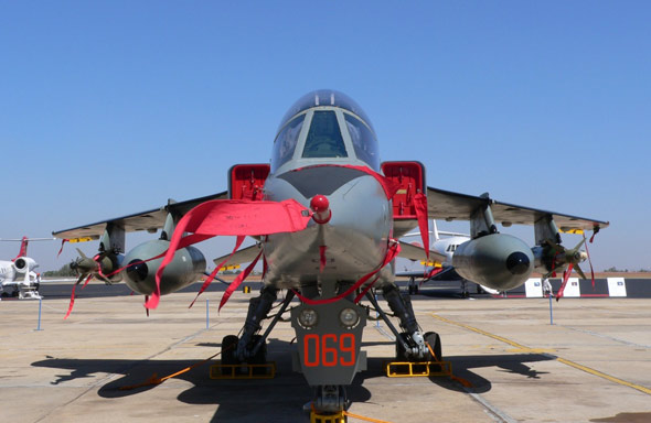 图文:印度空军装备的英法合制的美洲虎攻击机