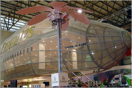 图文:2005年迪拜航展上的空中客车A380模型