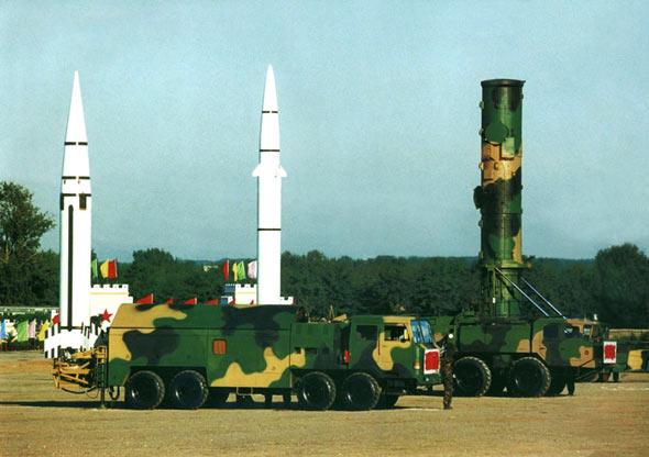 图文:二炮部队完善核反击能力