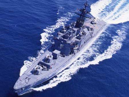 图文:日本榛名级反潜直升机母舰
