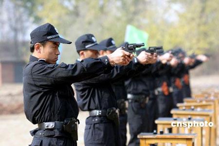 国产9mm转轮手枪号称中华警用第一枪(组图)