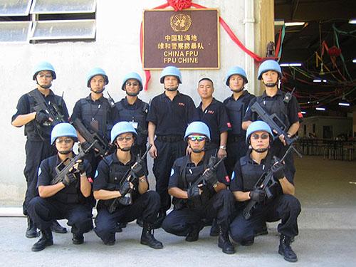 子弹11次击穿中国驻海地维和警察营房(组图)