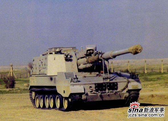 图文:处于行军状态下的PLZ-45自行榴弹炮