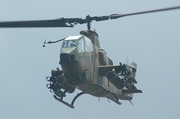 图文:日本陆上自卫队装备的AH-1J武装直升机