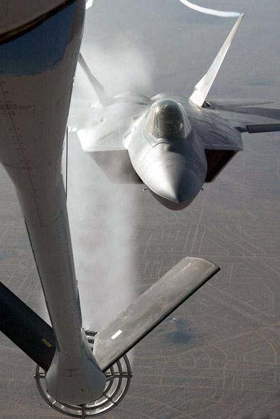 美军将在韩日部署F-22战机威胁中国(附图)