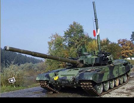 捷克陆军接收升级型T-72M4CZ主战坦克(组图)