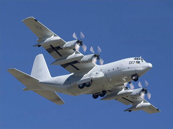 图文:洛-马公司生产的KC-130大力士加油机